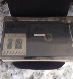 Проигрыватель пластинок мелодия-103 стерео