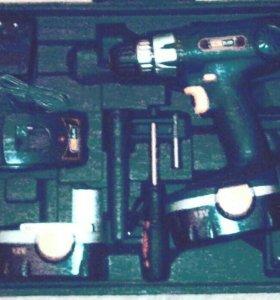 Продаю набор Аккум. Шуруповерт 12в, 1.3А.ч, 10Нм.