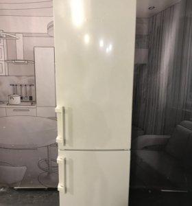Холодильник б/у Liebherr CN38660