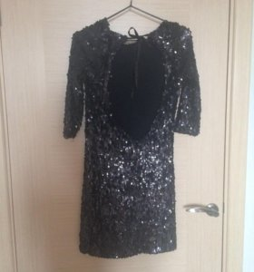 Платье и пайетки