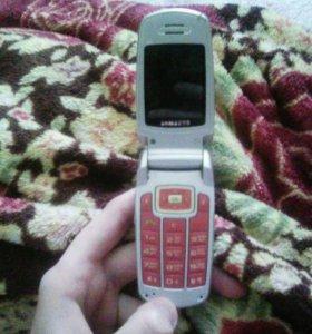 Продам на запчасти телефон samsung