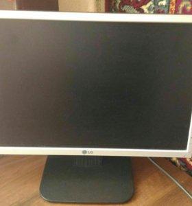 Продам монитор для компьютера.