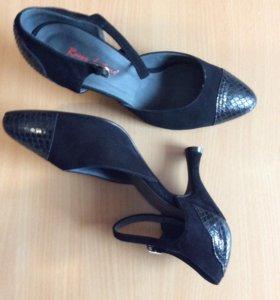 Туфли женские Италия , новые можно для танцев
