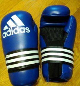 Перчатки Adidas(тхэквондо,кикбоксинг)