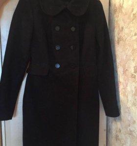 Черное пальто в хорошем состоянии