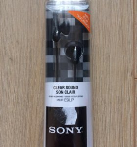 Наушники-вкладыши новые Sony MDR-E9LP
