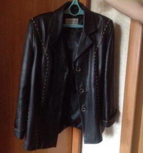Натуральная кожаная куртка цвет чёрный.