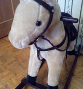 Лошадь качалка