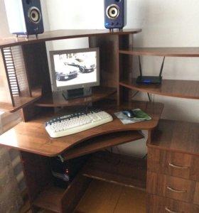 Компьютерный угловой столик