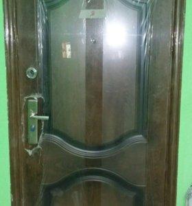 Входная дверь б/у с дверным коробом
