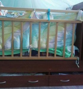 Кроватка-маятник с балдахином и постелью