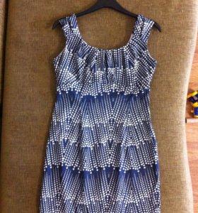 Платье, р 46-48. Синее в горошек.