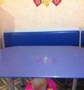Стол и уголок