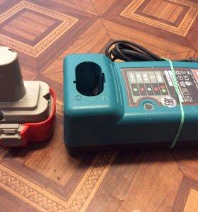 Зарядное устройство Makita с аккумулятором