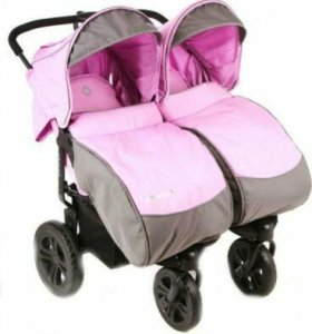 Прогулочная коляска для двойняшек