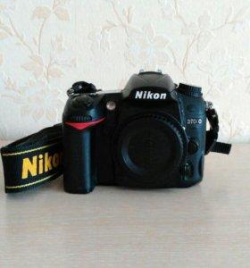 фотоаппарат Nikon D7000 +объективы и вспышка