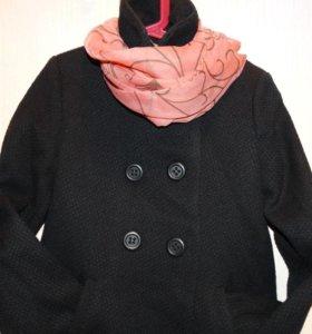 Продам детское пальто для девочки