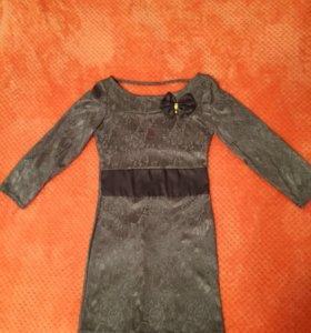 Платье. 40-42.