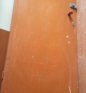 Продаю двери деревянные б/у.