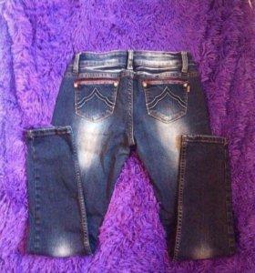 Зауженные джинсы р 27-28