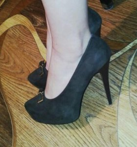 Туфли замшевые Donna Balizza