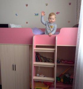 Кровать детская с шкафом и детской зоной