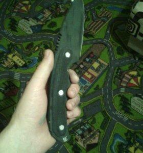 Нож с лезвием крюком