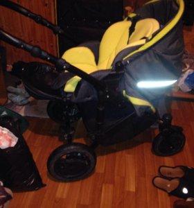 Детская коляска,три в одном zippi tuttis pia