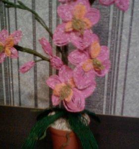 Цветыиз бисера ручной работы