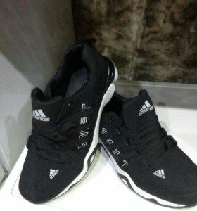Кроссовки adidas,мужские, весна-лето.