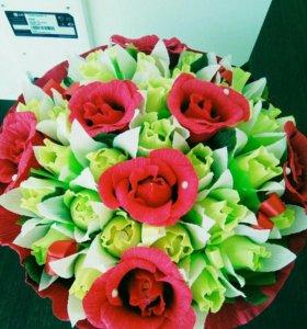 Букет из 25 цветов с конфетами Ферерро(ассорти)
