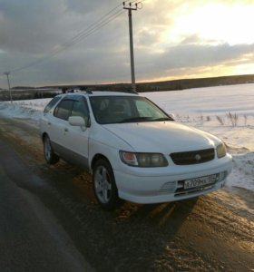 Nissan Rnessa