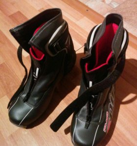 Продам лыжи фишер + палки фишер , ботинки 43 разме