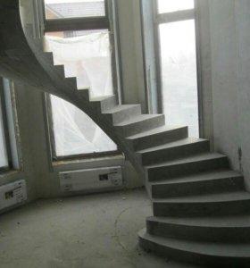 Бетонных лестницы