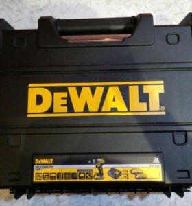 Дрель-шуруповерт Ударный. DEWALT DCD796D2. Новый