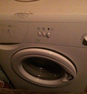 Машинка стиральная индезит