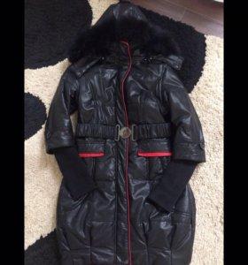 Пальто Moncler с мехом