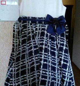 Прадзничное платье р-р140