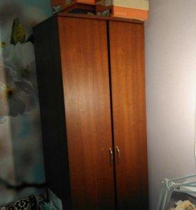 Компьютерная стена и шкаф