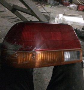 Задняя левая фара Corolla