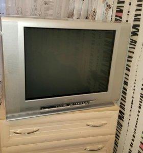 Продам большой цветной телевизор TOSHIBA (BOMBA)