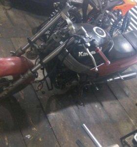 Kawasaki zzr250