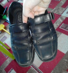 Туфли спортивной модели