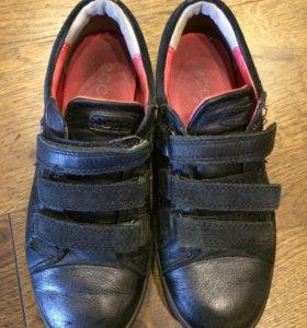 Ботинки, кеды 31 р-р
