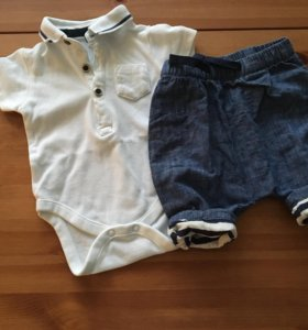 Боди-поло и джинсы