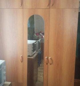 Трехъярустный шкаф