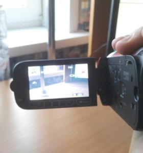 Продаю видео камеру!