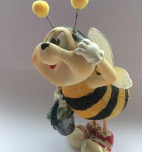 "Статуэтка ""пчёлка"""