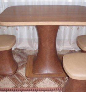 Стол, 3 табуретки, кухонный диванчик