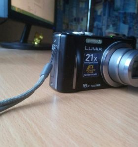 Продаю фотоаппарат !!!